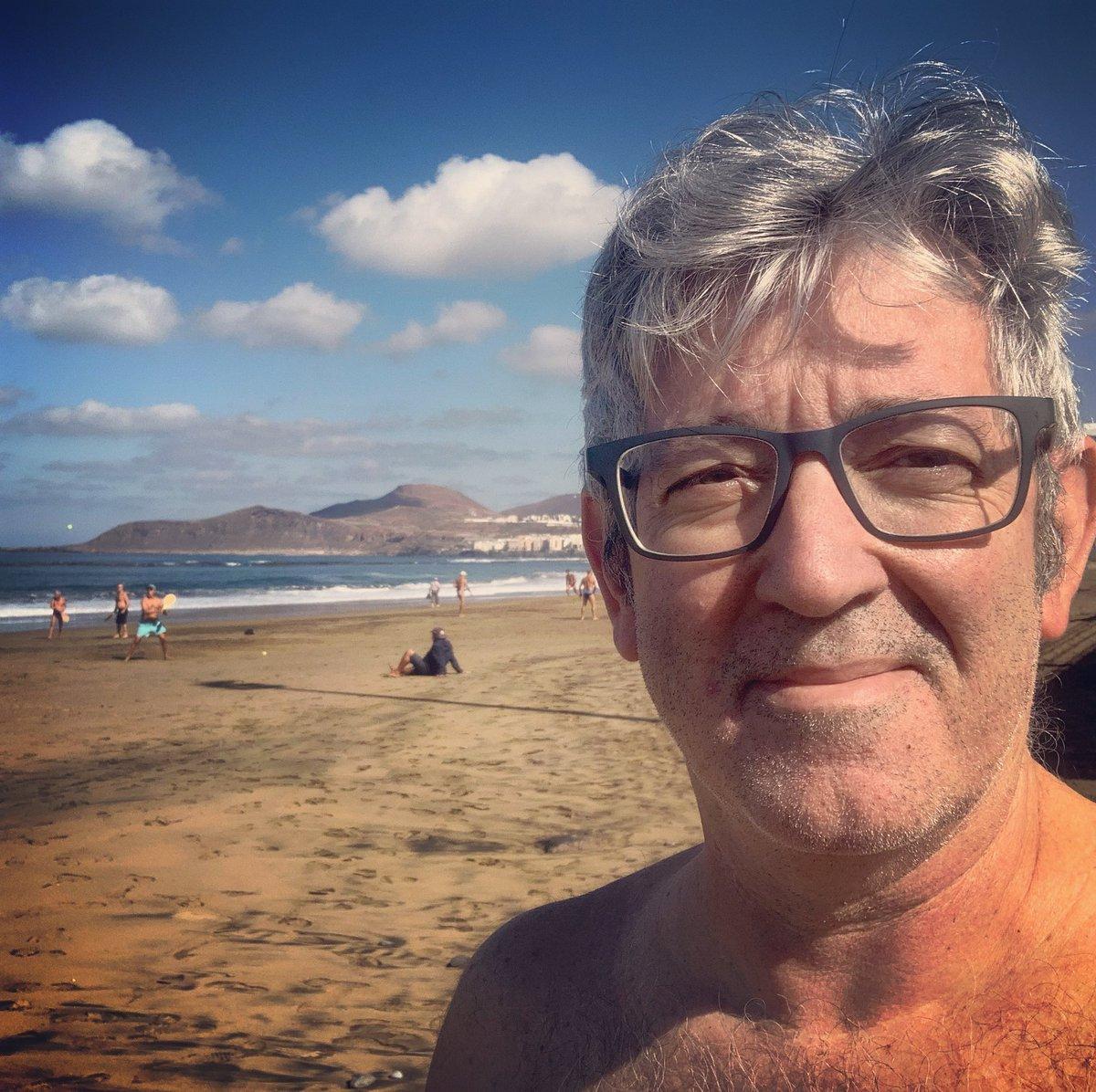 En enero suelo hacerme un #selfie para recordarme una de las razones por las que escogí vivir en #laspalmasdegrancanaria Soy muy friolero. 😊