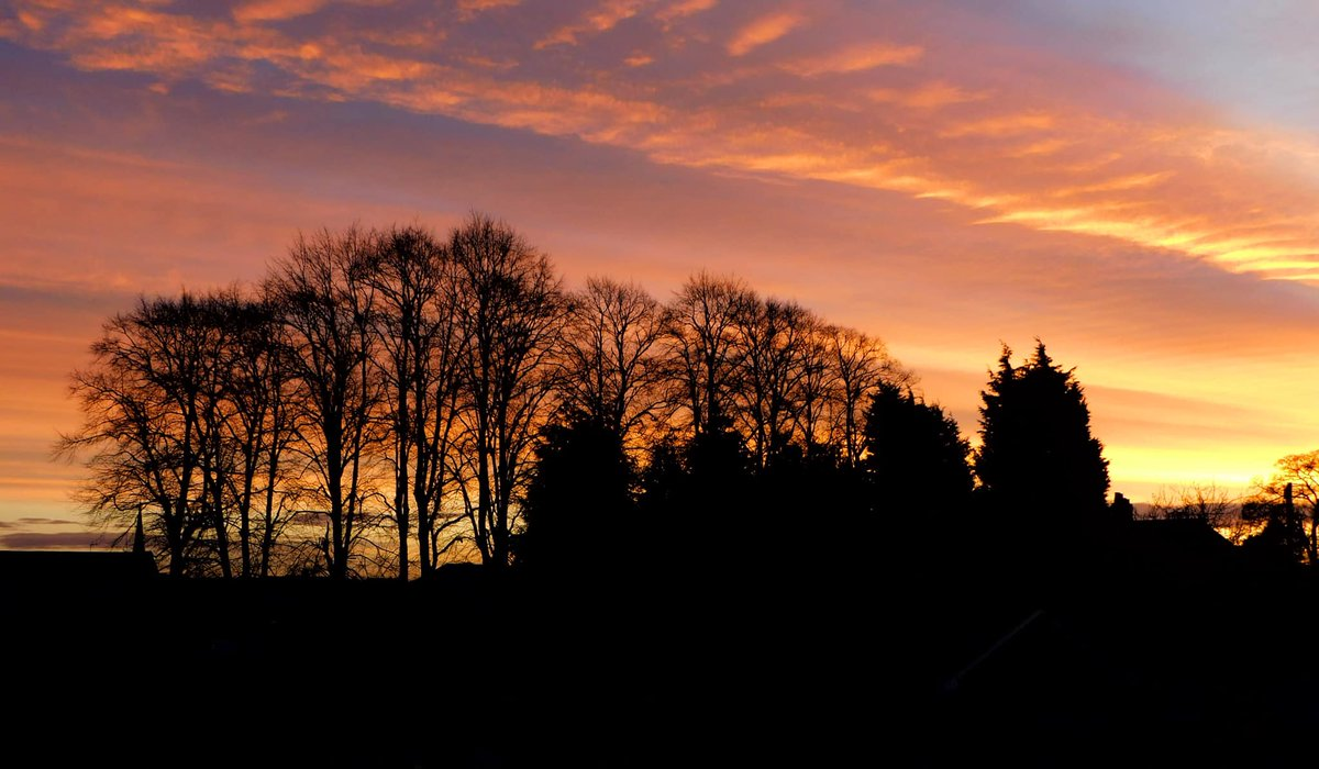 #BlueMonday got off to a lovely start, with a stunning sunrise over many parts of Staffordshire! Pics taken in Rugeley by the Trust's Emma  #WilderStaffordshire