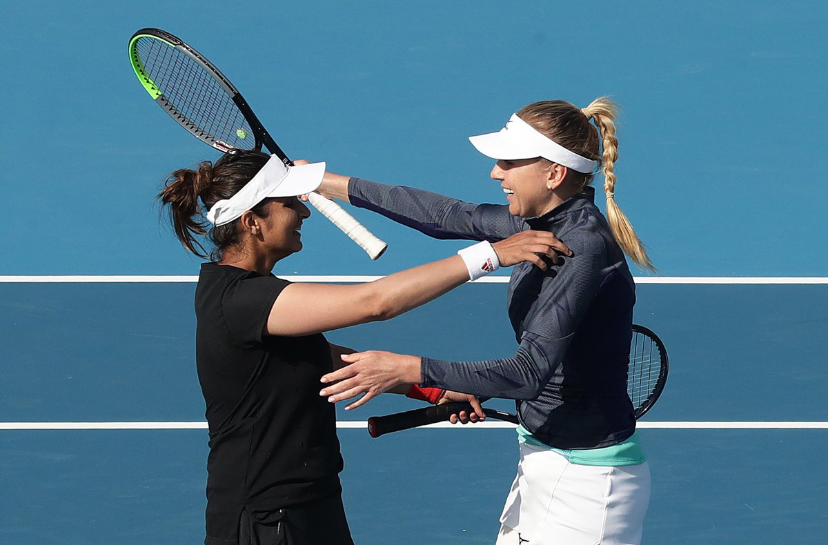 Those double titles feels 🥰  One year ago @MirzaSania and Nadia Kichenok paired up to defeat Zhang Shuai and Peng Shuai in the #HobartTennis doubles final 🙌  #HobartTennisFlashbacks
