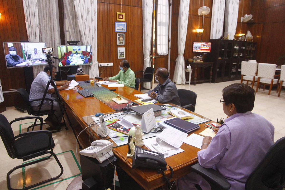HLG @thekiranbedi held a One on One Meeting with the Dept. Of Fisheries and Fishermen Welfare, Puducherry earlier today. Smt. Purva Garg, (Secretary, Fisheries), P. Muthu Meena, (Director, Fisheries),and Senior Officers of Raj Nivas and Fisheries  Dept.  were part of the meeting.