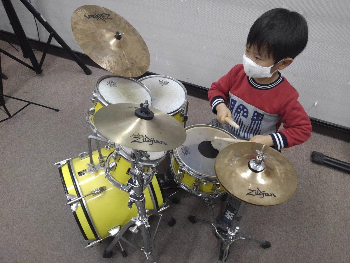 本日のそーちゃん、今日はドラム教室。 #ドラム #Drum #子供 #kids #キッズドラム #kidsdrum #成長記録 #ポートレート #portrait #photooftheday #cute #cool #ファインダー越しの私の世界 #キリトリセカイ #写真で奏でる私の世界 #写真で伝える私の世界 #写真で伝えたい私の世界 #島村楽器レッスン部
