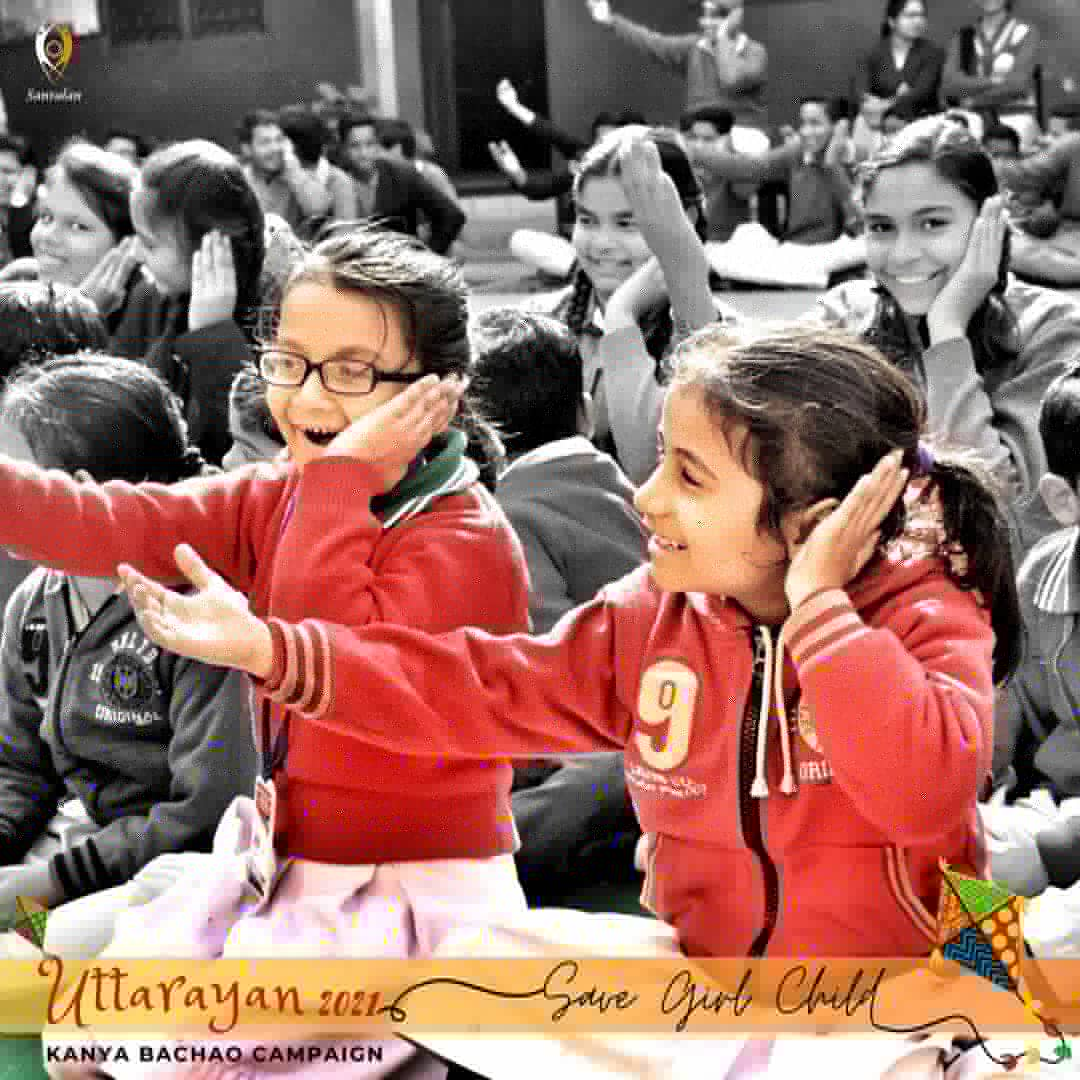Catch sight of institutional workshop held in Meerut, sensitizing school kids in #gender perspective!  #Tbt: Kanya Bachao Campaign, 2018  #SaveGirlChild #MondayThoughts #uttarayan