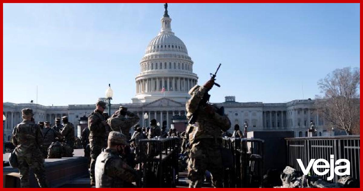 À espera da posse de Biden, Washington vive tensão máxima