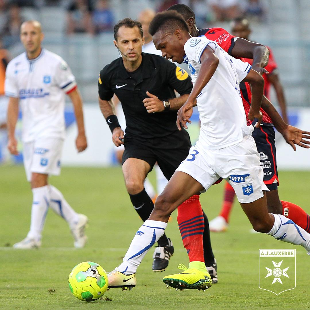 ℹ️ Le derby #AJAESTAC en @coupedefrance sera confié à monsieur 𝑹𝒐𝒎𝒂𝒊𝒏 𝑫𝒆𝒍𝒑𝒆𝒄𝒉.  ▫️ Il s'agira du 10e match concernant l'AJ Auxerre pour l'arbitre de 41 ans, qui aura messieurs Ludovic Zmyslony, Jean Grimm et Mickaël Leleu comme assistants demain soir ▫️