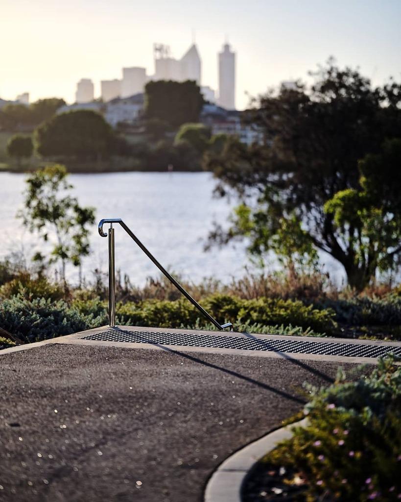 i just like the shadow. \ \  / / Made with #fujigfx100 in #perth. \ \ / / #optusstadium #perthisok #westernaustralia #justanotherdayinwa #australia #fujifilm #fujifeed #fujixnet #fujixaus #captureone #fujigfx #proofofjrgibson