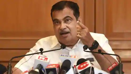 Before 2025, we aim to bring down road accidents by 50%: @nitin_gadkari