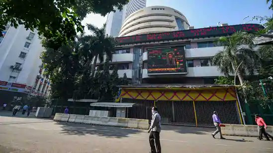 Sensex closes 470 points lower at 48,564 pts, Nifty ends session at 14,228 pts