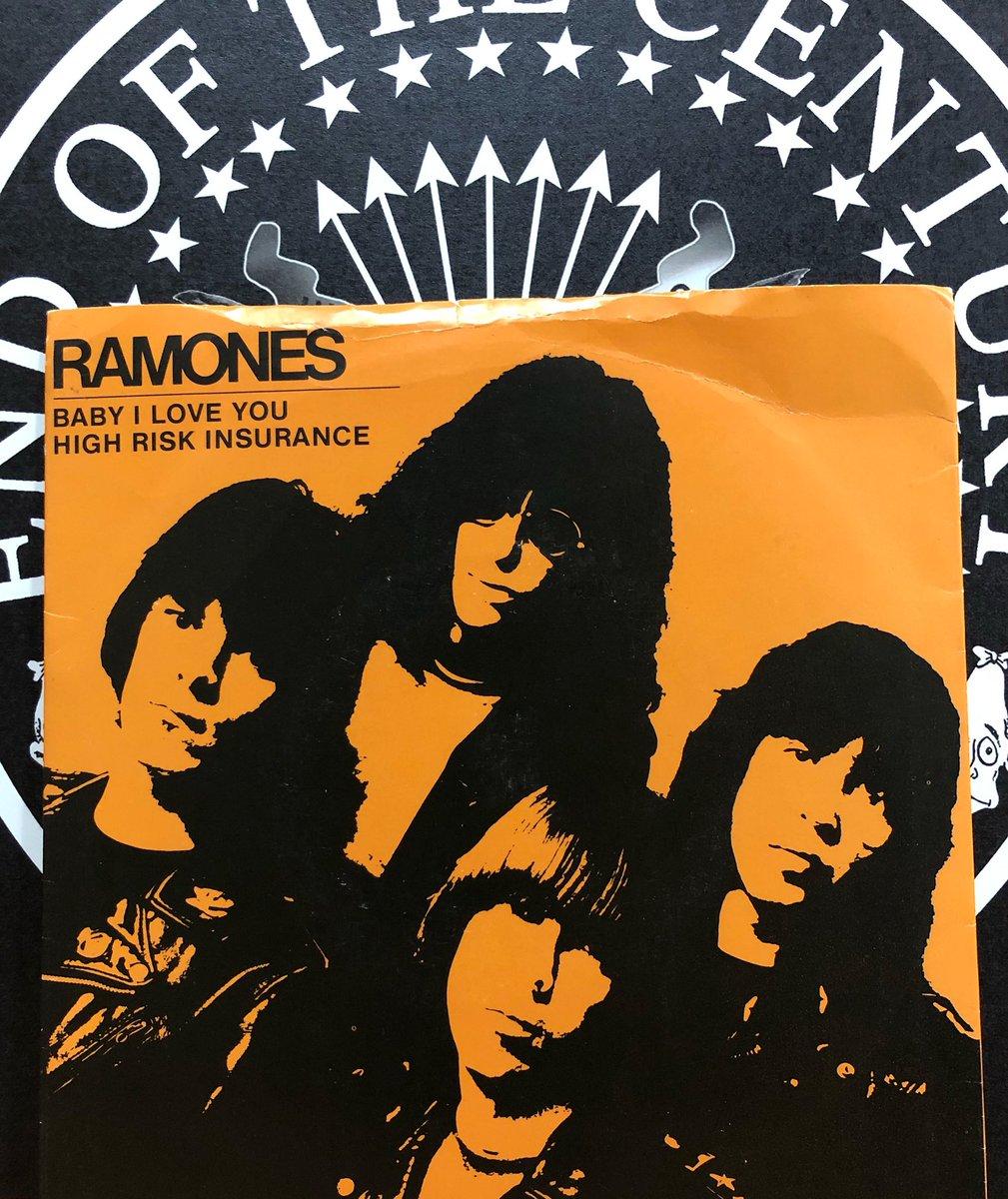 フィル・スペクターも逝ってしまったか…この曲好きなんだ。 ラモーンズと素晴らしい仕事をしてくれてありがとう。    #rip #philspector