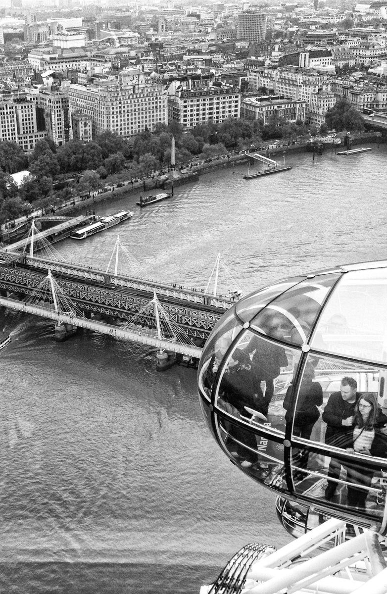 View #photo #photography #photooftheday #pic #picoftheday #picture #pictureoftheday #bnw #bnwphotography #blackandwhite #blackandwhitephotography #image #moments #street #streetphotography #streetphotographer #streetphoto #city #londoneye  #view #monochrome #urban #uk #london