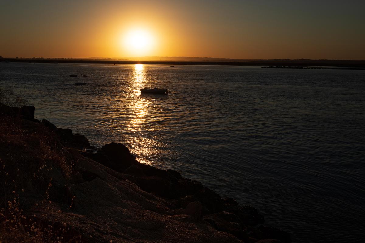#ViveAndalucia | Una puesta de sol que bien vale un viaje a Isla Cristina cuando las restricciones a la movilidad lo permitan  vía @LaVanguardia #Huelva