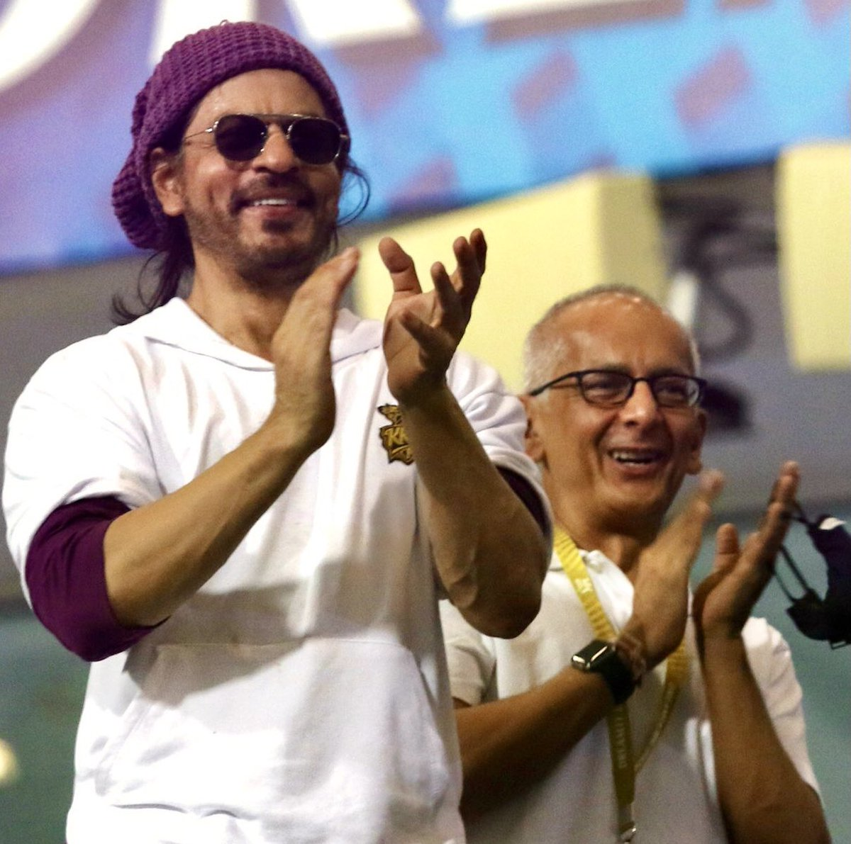 @iamsrk You are a true and devoted friend, and MOST affable. #HappyBirthdayJayMehta  And to you dear heart, lots of hugs and a big thank you for the lovely tweet, happiness unbound!! I love you, God bless you with happy days, always & forever🤗