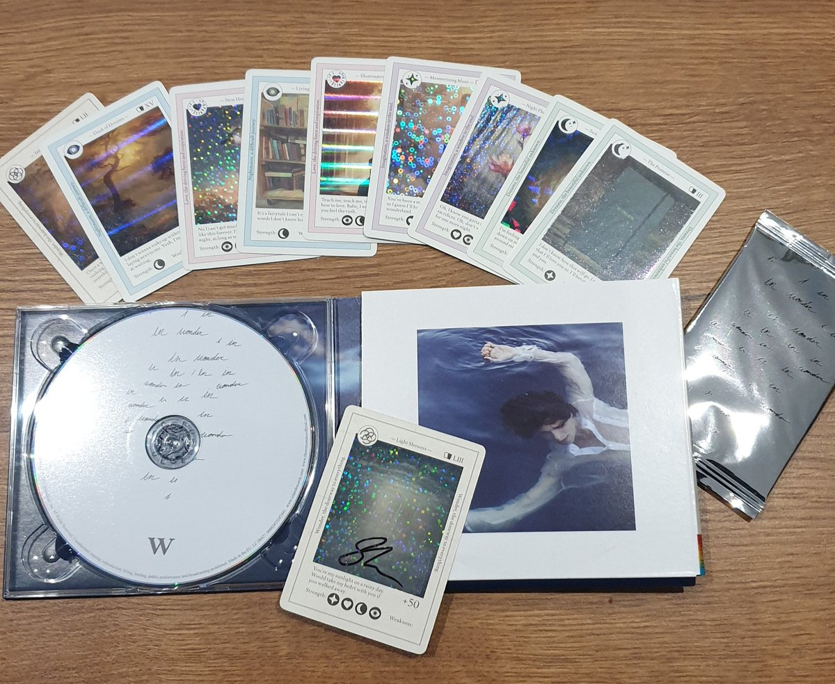 The cards are beautiful ! So happy ! Thank you @ShawnMendes 🤗  I hope to see you soon for Wonder Tour ❤ #Wonder #ShawnMendes