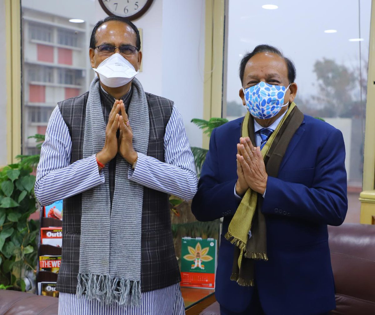 It was a pleasure to have met Madhya Pradesh CM, Sh @ChouhanShivraj Ji, today.  We discussed various steps taken by MP Govt to contain the spread of #COVID19 in the State as well as the ongoing #COVID19Vaccination drive.  @MoHFW_INDIA  @CMMadhyaPradesh