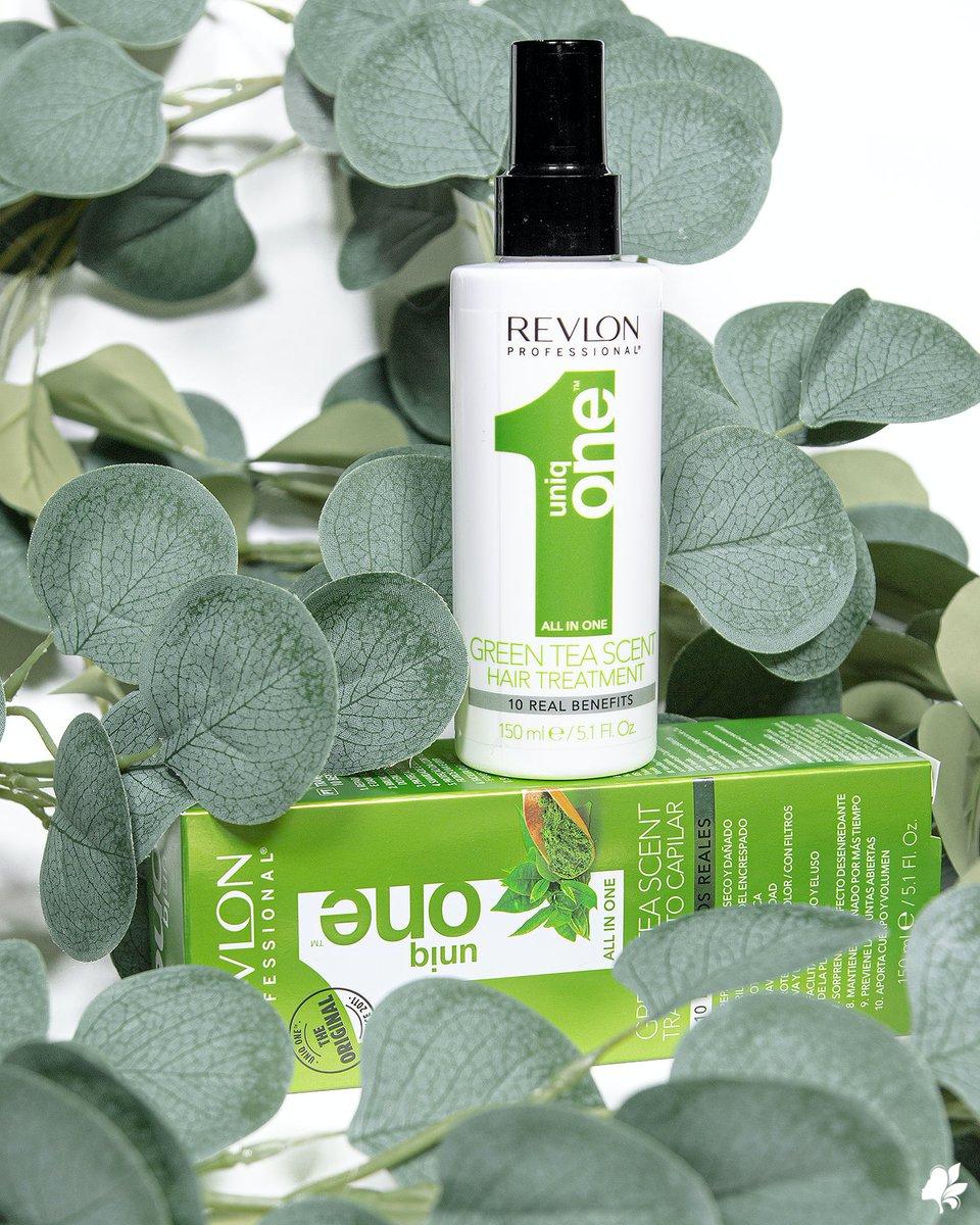 Mima tu cabello como se merece con el tratamiento Uniq One de té verde de #revlon 🌿🌱 Aporta 10 beneficios al cabello y además no necesita aclarado. ¿Has visto todas las novedades de la marca que hemos incorporado? 😍 #revlon #uniqone #haircare