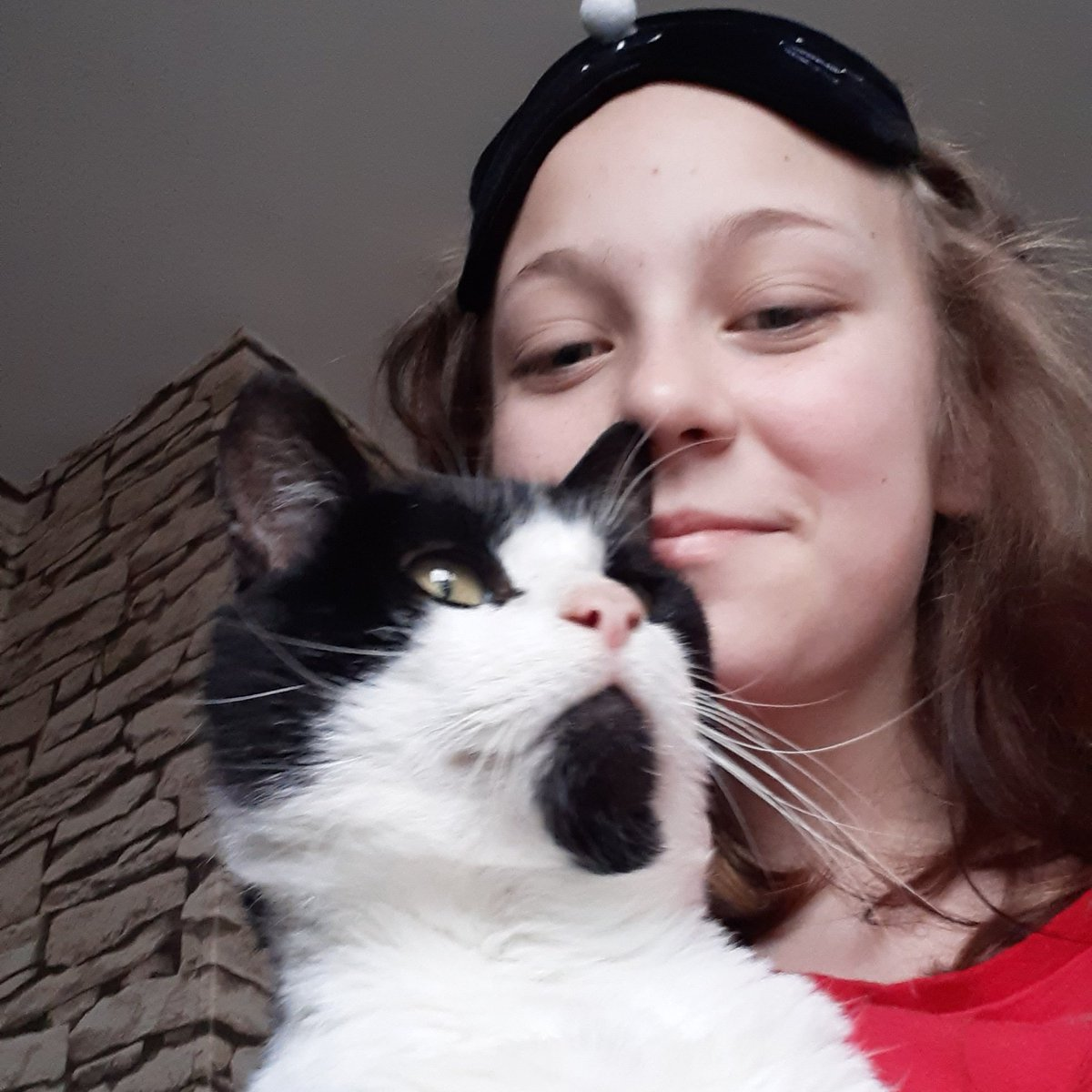 STYPP member Brooklynn is sharing a 'silly selfie' of herself and her cat in an attempt to spread some cheer on this #BlueMonday #bluemonday2021 thanks Brooklynn you've made us smile 😀