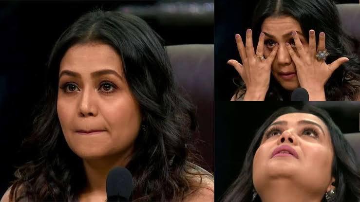 #AUSvIND Pant singing: e-spiderman e-spiderman, tune churaaya mere dil ka chain...   Neha Kakkar watching the match at home: