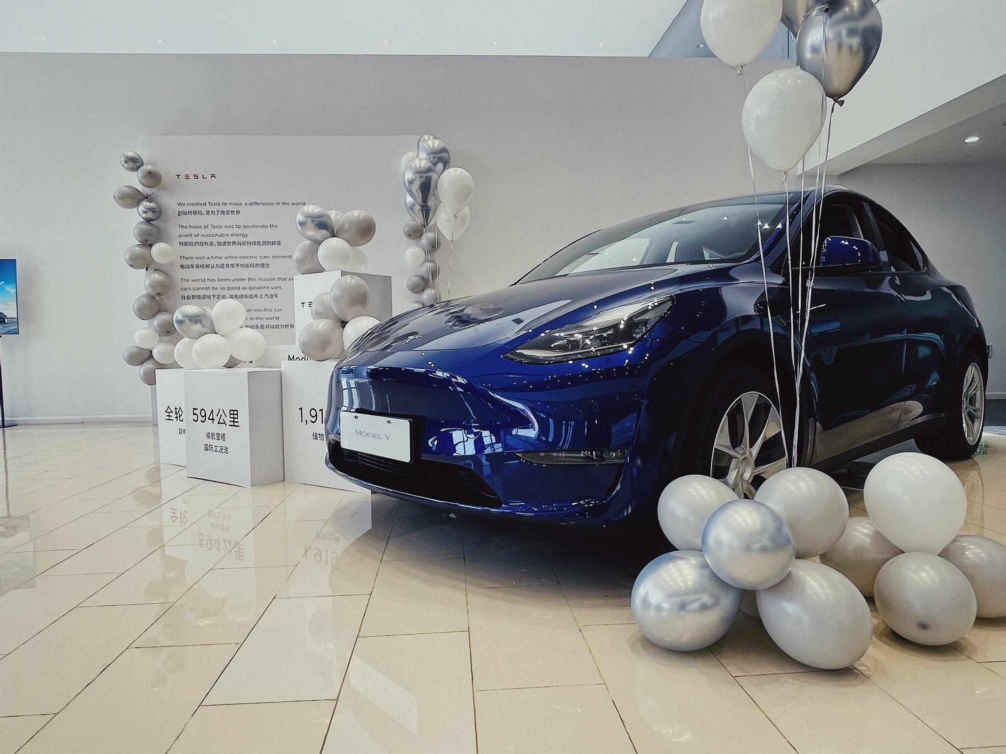 Mobil Listrik Tesla Model Y sudah mulai mendunia (Foto via Twitter @Tesla)