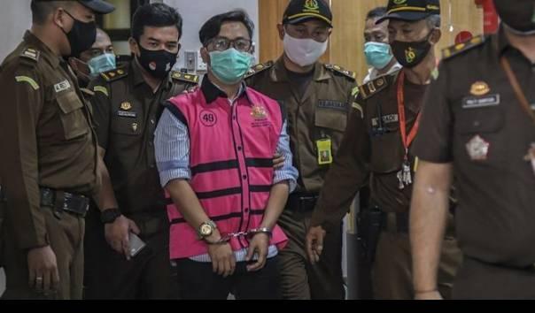 Andi Irfan Dihukum Lebih Berat dari Tuntutan, Ini Penjelasan Hakim https://t.co/eNZU30TAoT https://t.co/eN6D1ZWzAy