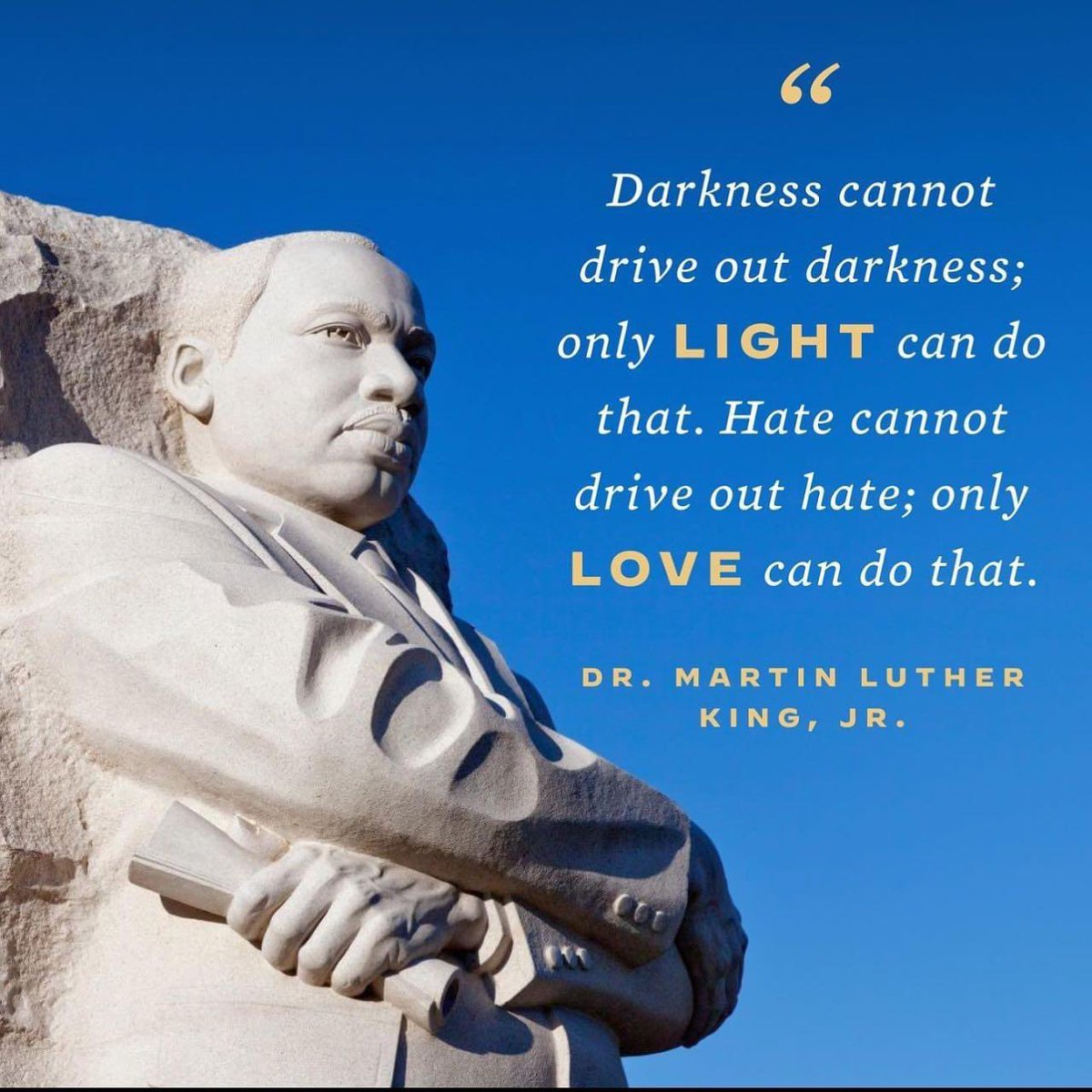 Today, we Honor the life and Legacy of Dr. Martin Luther King, Jr!!  I'm hopeful for a peaceful and bright year ahead for our Country!!  #MLK2021 #MLKDay #loveoverhatred #StrongerTogether #remembranceday 🌹🌺❣️