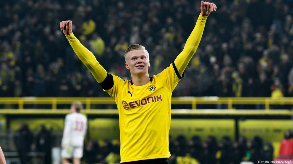 Chelsea are willing to break their transfer record to sign striker Erling Haaland from Borussia Dortmund in the summer. (The Athletic)