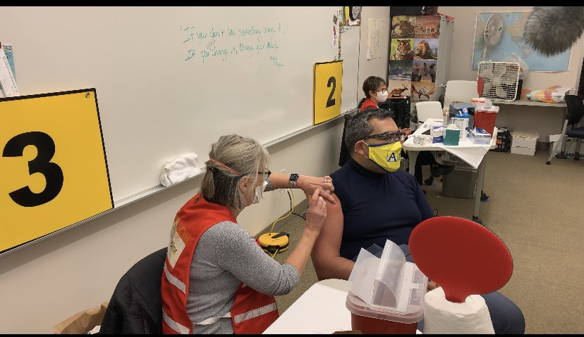 .<a target='_blank' href='http://twitter.com/OakridgeConnect'>@OakridgeConnect</a> teacher Rachael Fine, <a target='_blank' href='http://twitter.com/GeneralsPride'>@GeneralsPride</a> principal Tony Hall, <a target='_blank' href='http://twitter.com/SuptDuran'>@SuptDuran</a> and food service employee Lorena Perez were among the many who received their vaccine on Saturday. Another 900 APS staff will receive theirs today. Thank you <a target='_blank' href='http://twitter.com/ArlingtonVA'>@ArlingtonVA</a> <a target='_blank' href='https://t.co/oH9dL7sxCA'>https://t.co/oH9dL7sxCA</a>