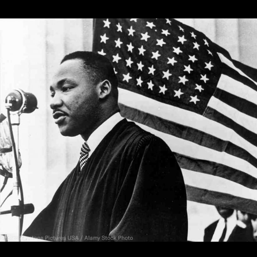 """""""One has a moral responsibility to disobey unjust laws."""" - #MLK  #mlkday #martinlutherking #usa #america 🇺🇸"""
