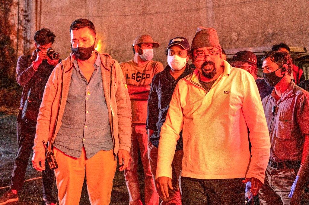 Director @santoshsivan and action director Sham Kaushal are currently filming action-thriller #Mumbaikar in #Mumbai .  Stars #VikrantMassey @VijaySethuOffl #RanveerShorey #SanjayMishra #TanyaManiktala  @shibuthameens is project designer