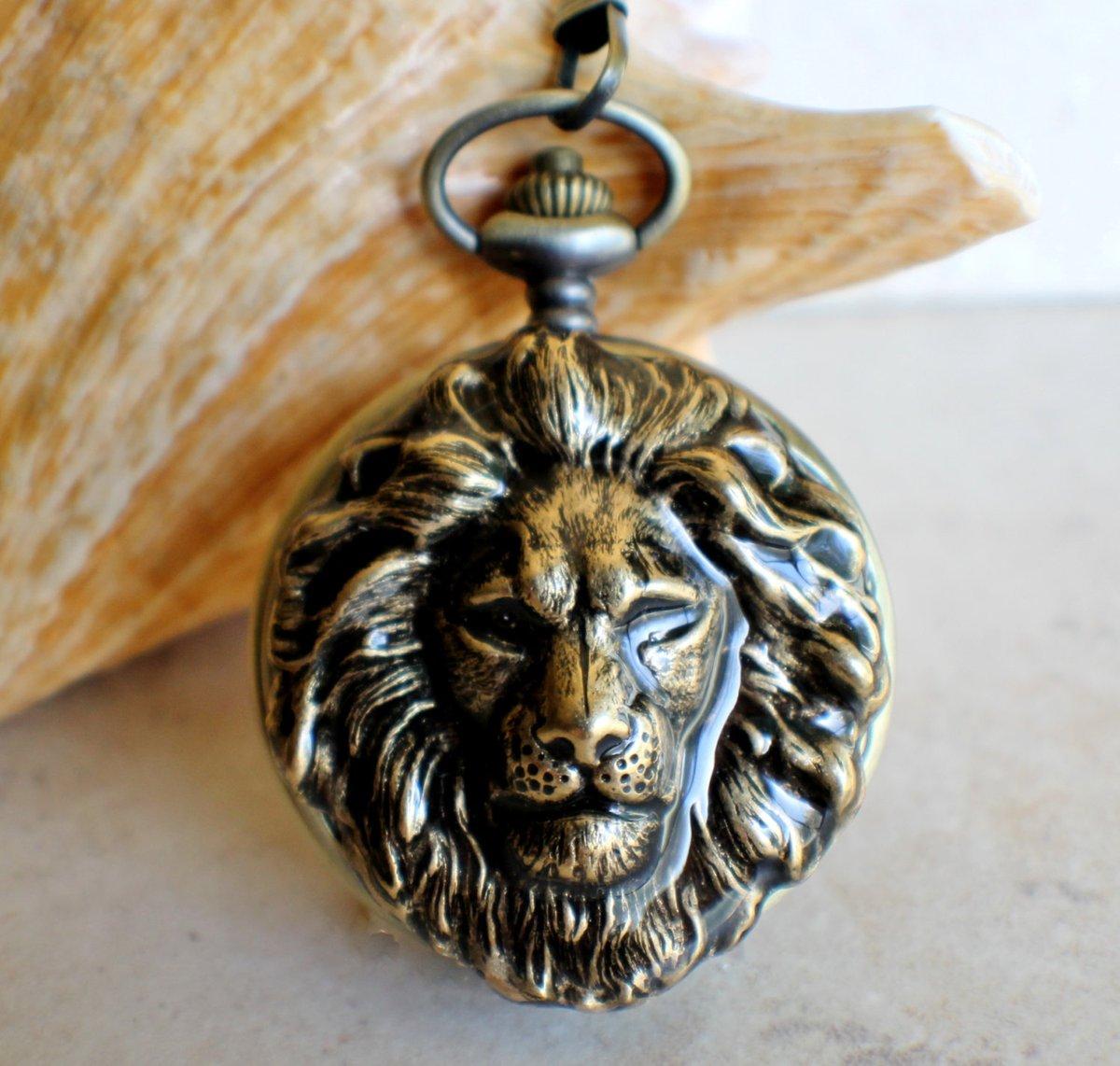 Lion pocket watch, Bronze lion pocket watch,  with tiger eye beads on watch chain https://t.co/Rr30HskL7c #Charsfavoritethings #Etsy #Handmadejewelry ##pottiteam #PottiTeam https://t.co/JdzovlQ1NP