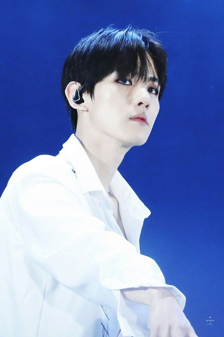 ベクヒョン  get you alone#BAEKHYUN #백현@WeareoneEXO@B_Hundred_HyunHere's a song for you… Get You Alone by BAEKHYUN