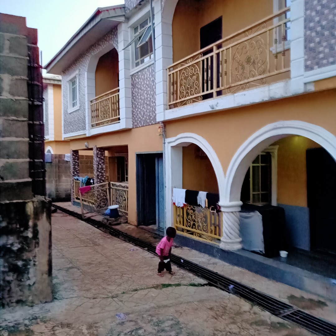 New 2 Bedroom flat upstairs with balcony and car park priced at N200,000 yearly in Lagos See more details https://t.co/l0j2u1uR2N #whatproperty #Lagos #Nigeria #tolet #forrent https://t.co/TaoWBiNWTl