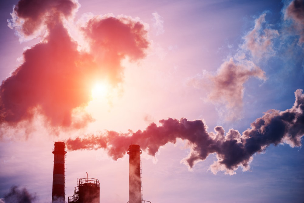 La @banquedefrance annonce un durcissement de sa politique d'investissement vis-à-vis des entreprises liées au #charbon, qui devrait se concrétiser par une exclusion définitive de ce secteur en 2024.  #énergie   Cc @Carbone4 @theShiftPR0JECT         👉👉