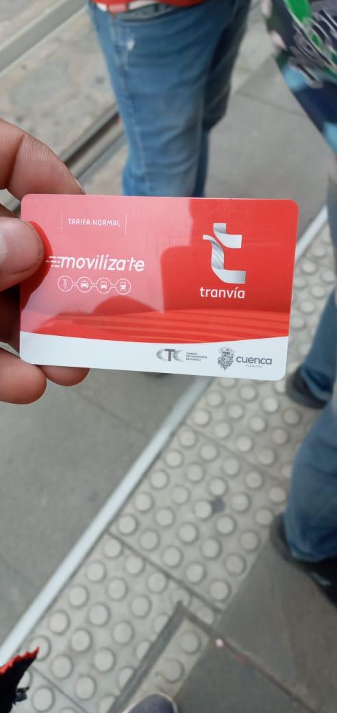 Las tarjetas💳 de tarifa normal del #TranvíaCuenca 🚇 se distribuyen en nuestros 5 puntos de atención.   👉Su costo es de $1,75, personalízala y juntos #vamos hacia una nueva movilidad👌  #BienvenidosABordo   @MunicipioCuenca @quenoticiasec @antenaunofm @m921radio @Huellainfoec