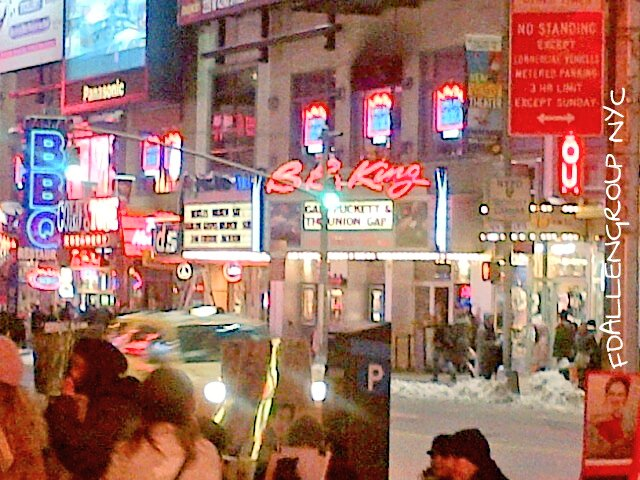 #FlashbackMonday... How we use to #party in a #SnowstormBlizzard. #GothamNights #NYC🍎. #TimesSquare #Photography.