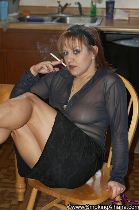 1 pic. As your Smoking Goddess, it is my pleasure to brighten your day. #busty #smokingmodel #dangle