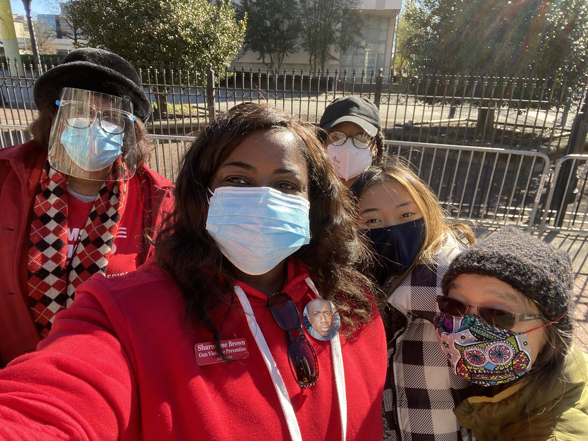 #MLKDay2021  Special thanks to #StudentsDemand -LaTayla Billingslea, @MomsDemand -Dekalb GA Volunteers #Grace, Ali, #Sharmaine @JaredsSuccess, @MiamiKnightLLC  the combine donations received we were able to prepare care packages that were distributed to those in need on today.
