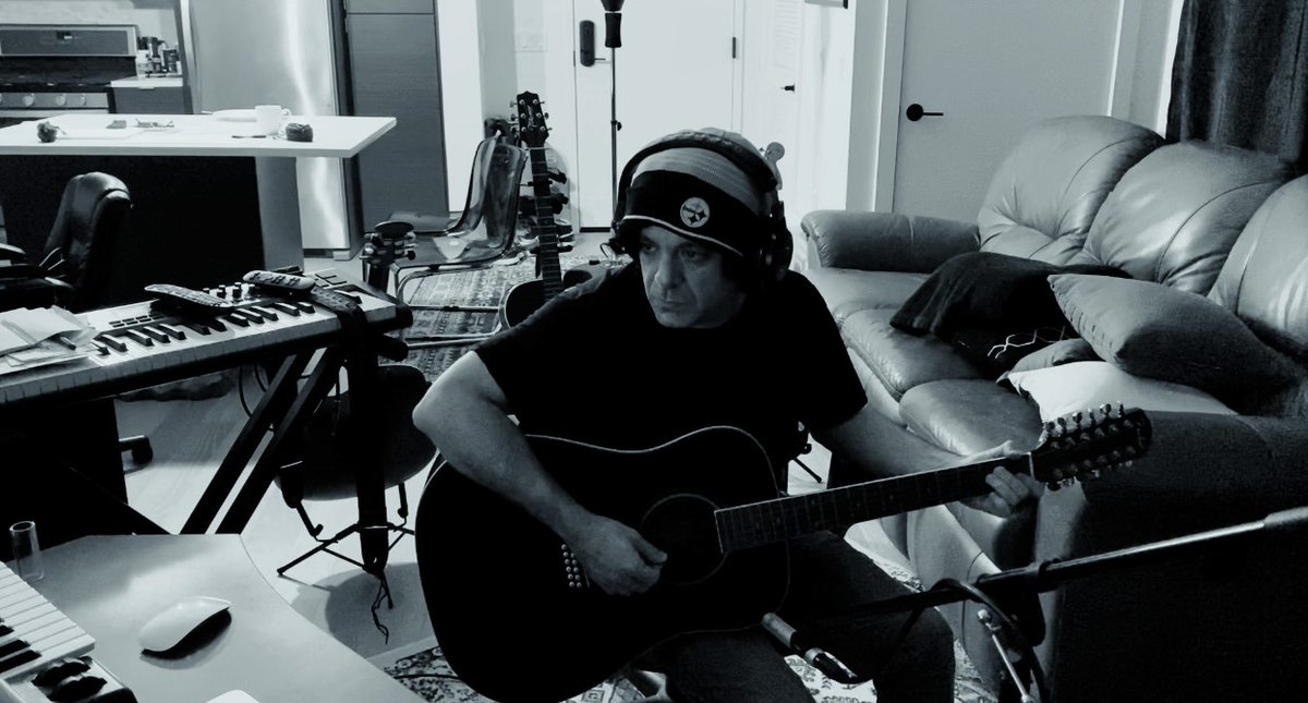 He said yes, and kept on saying yes. L.A. guitarist, producer/composer Joe Dancsak on working #TDE lockout recording REASON, Boogie & Ab-Soul, and more.  #mondaymotivation #hiphop #musicislife