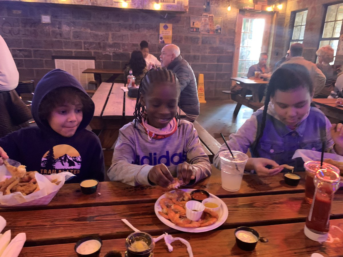 Happy 11th Birthday Gabrielle! 🎉🎁🎊 Brunch at #Rhineharts? Sure birthday girl, you can have whatever you like. #cousins #siblings #hbd