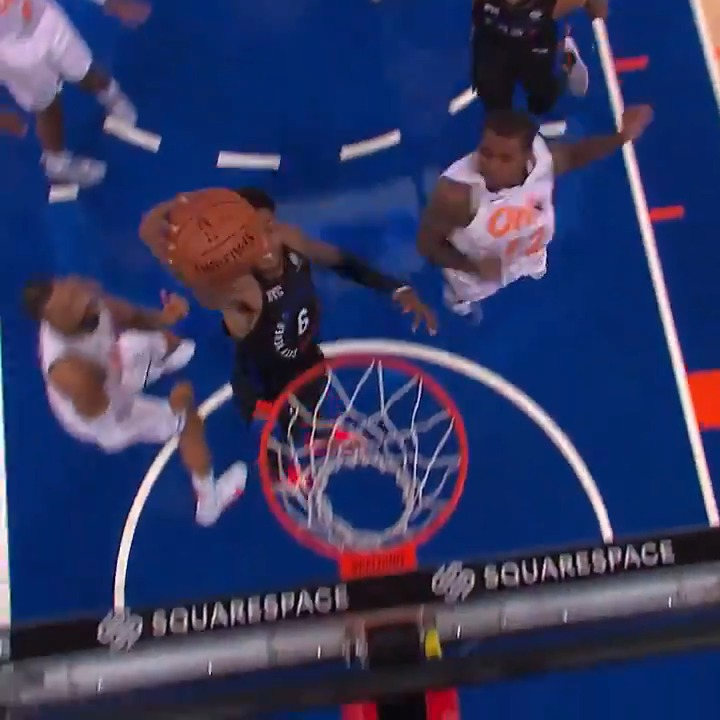 Elfrid Payton crosses his way in for the HAMMER. 🔨  @nyknicks lead entering Q4 on NBA TV https://t.co/h60TEDmeSA