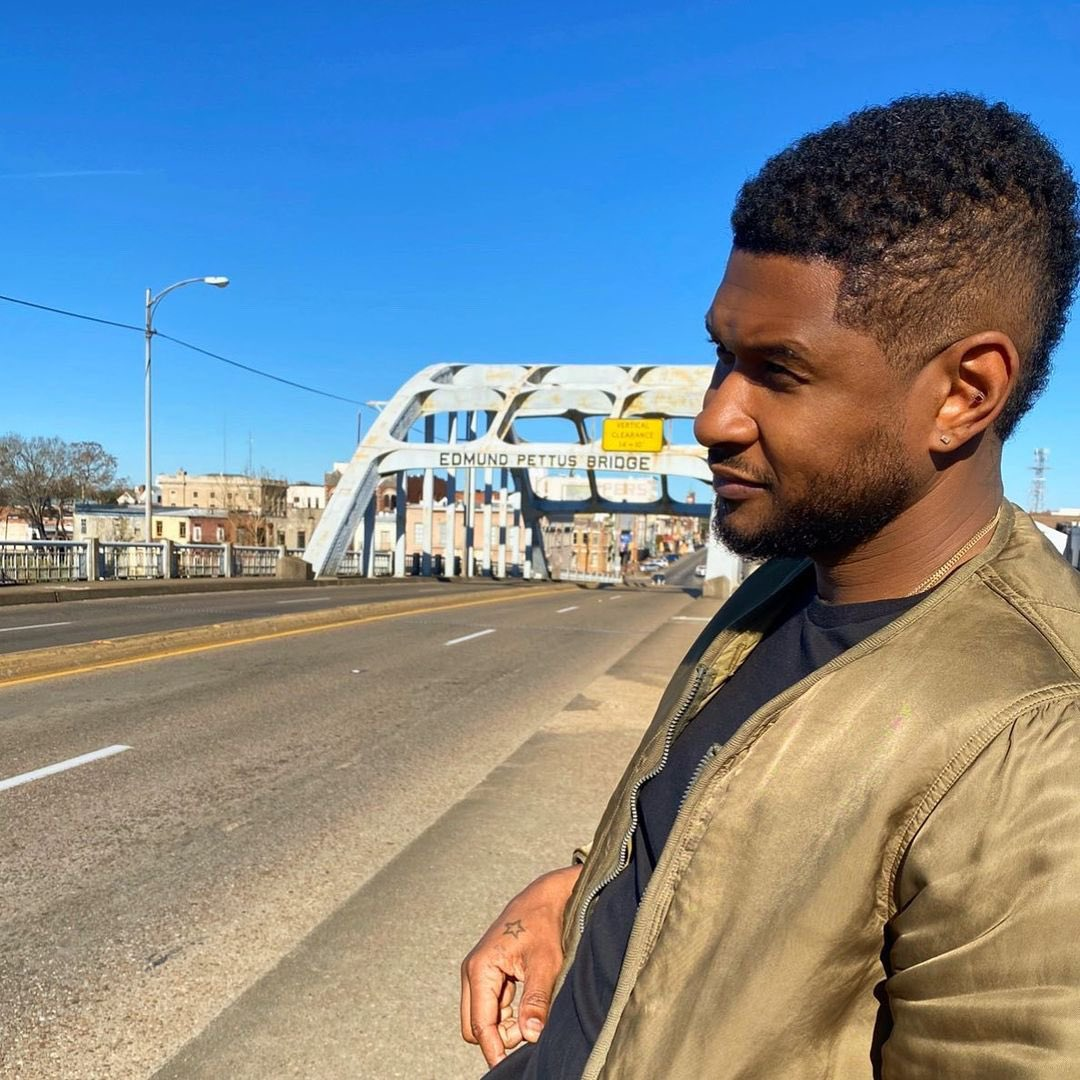 I decided to celebrate this day by visiting this historical site, where brave men and women protestested for the change we see today. It's an honor to be walking in your footsteps here in Selma, Alabama.  #PettusBridge #MLKDay #civilrights #roadtrip