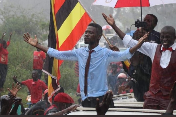 You can't hear picture Me:  Won't you help to sing The songs of freedom Cos all I ever have  Redemption songs The songs of freedom  #BobiWine #Uganda #BBNaija #EndPoliceBrutalityinNigeria #EndSARSBrutality