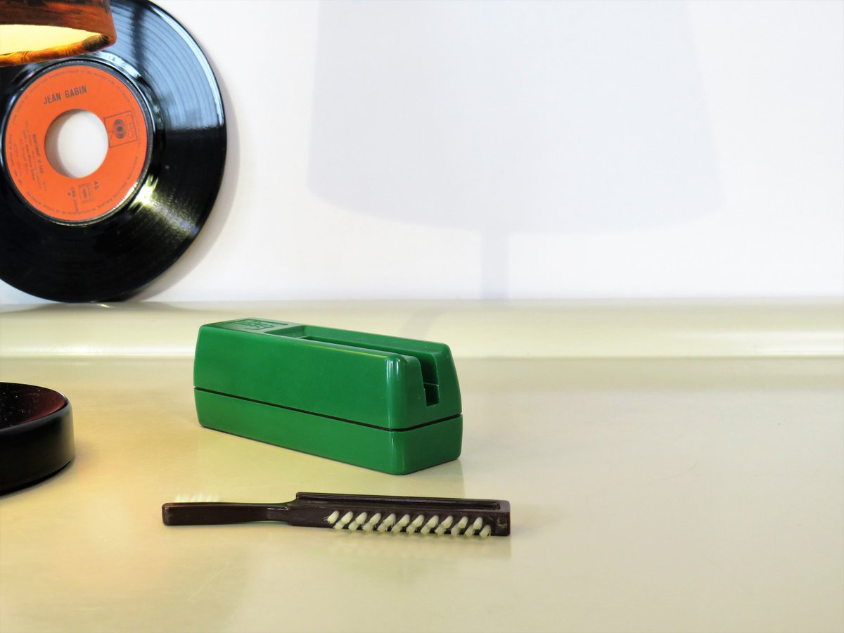 Vintage Record Cleaner, Vintage DISCO 3 Vinyl Record Lp Cleaner, Green Color, Record Cleaning With Brushes, Music Lovers, Retro 70s  #CYBERSALE #Retro #MyNewTag #covid-19 #FREESHIPPING #BlackFriday #Christmas #Vintage #RecordCleaner