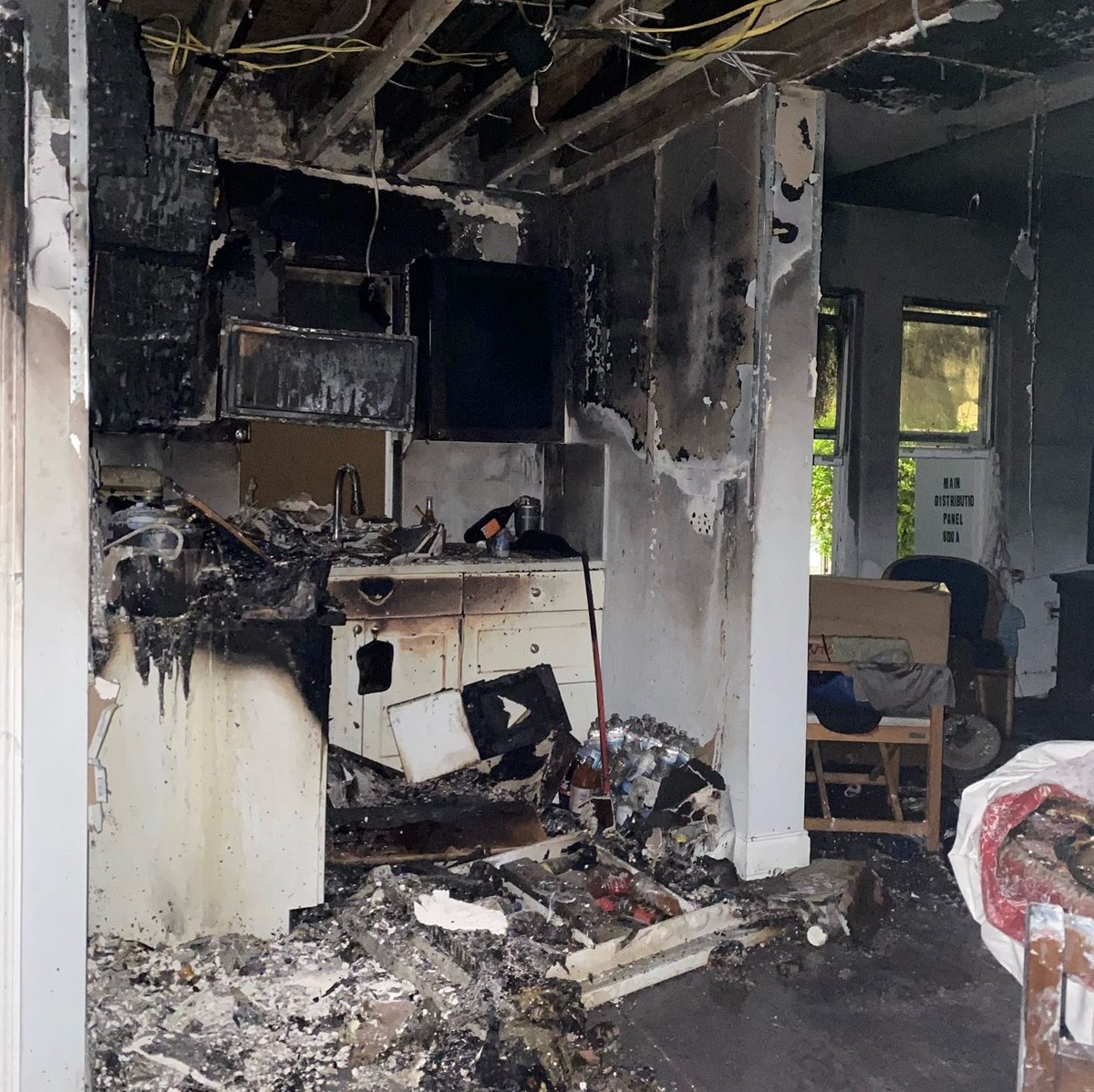 Another busy weekend for our Red Cross teams responding to home fires across the region. This apartment fire in Little Havana impacted 14 people and now the Red Cross is helping them get back on their feet. #EmergenciesDontStop Photos provided by Natalee Collazo.