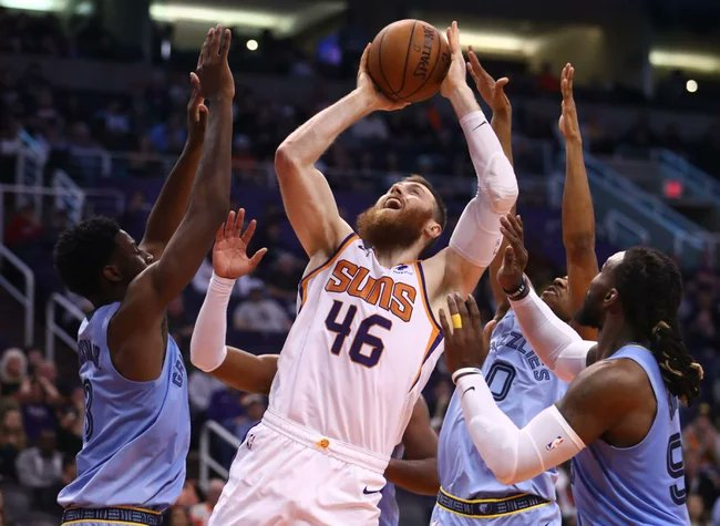 NBA Basketball Today at 5 pm ET on TNT. Memphis Grizzlies (6-6) vs. Phoenix Suns (7-4 ). Grizzlies have won 4 in a row. Suns are looking to rebound from an embarrassing loss to the Wizards. What's your take? @memgrizz  #GrindCity @Suns  #WeAreTheValley #NBATwitter #NBA https://t.co/VIeqGXUkOm