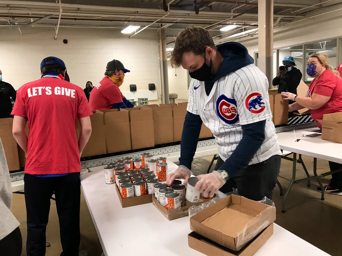 Celebrating the life & legacy of Dr. Martin Luther King Jr. through service.  @ihapp_1 & Jason Heyward volunteered with 90+ Cubs RBI All-Star players, coaches and family members & #CubsCharities to pack 33,330 meals at the @FoodDepository for neighborhoods across Chicago. #MLKDay