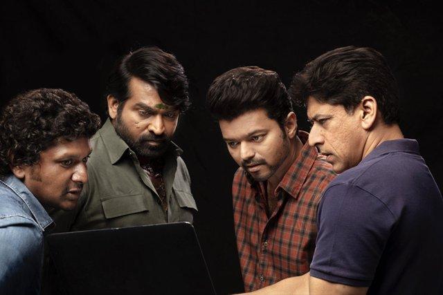 #MasterFilm [5-Day Opening Weekend] Tamil Nadu- ₹77.50 Cr AP/TS- ₹15.50 Cr Karnataka- ₹7.50 Cr Kerala- ₹5.75 Cr Rest of India (incl. Hindi)- ₹4.25 Cr Total- ₹110.50cr Gross #BOCIndia https://t.co/ixTtmN8aCm https://t.co/np7K2szc8d