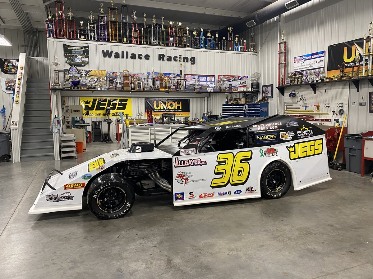 Looking good with some @JEGSPerformance yellow and black on it. #WINwithJEGS @Kenny_Wallace