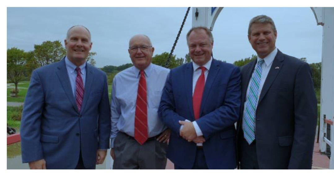 Verhaal over Republikeinen met Nederlandse achternamen in Michigan is nog niet af. Hier gezamenlijk op de foto (vlnr) congreslid John Moolenaar,  ambassadeur Pete Hoekstra, [HJ van Schothorst van #SGP/@tccouncil], congreslid Bill Huizenga. [bron foto: @tccouncil, 2020]. https://t.co/0bGjPsNXUV