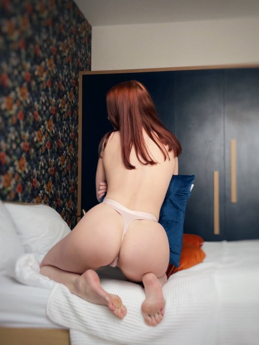 1 pic. night is the best time for miracles😈  https://t.co/gWllwZMu2l  #onlyfans #girl #nude #nudes #redhead