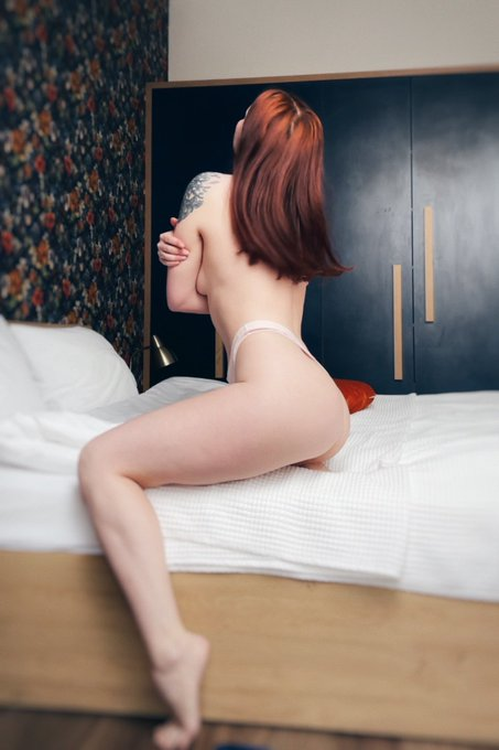 2 pic. night is the best time for miracles😈  https://t.co/gWllwZMu2l  #onlyfans #girl #nude #nudes #redhead