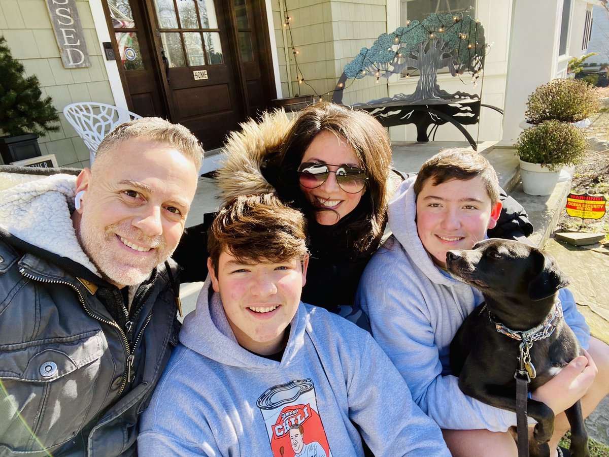 The Carino's enjoyed a virtual walk this morning through a partnership with Apple and The King Center in honor of #MLKDay . @TheKingCenter @Apple #wearetr #locainlove #lifewithcolinandsam @domenickCARINO @SpeedyColin @SamSpeedy3